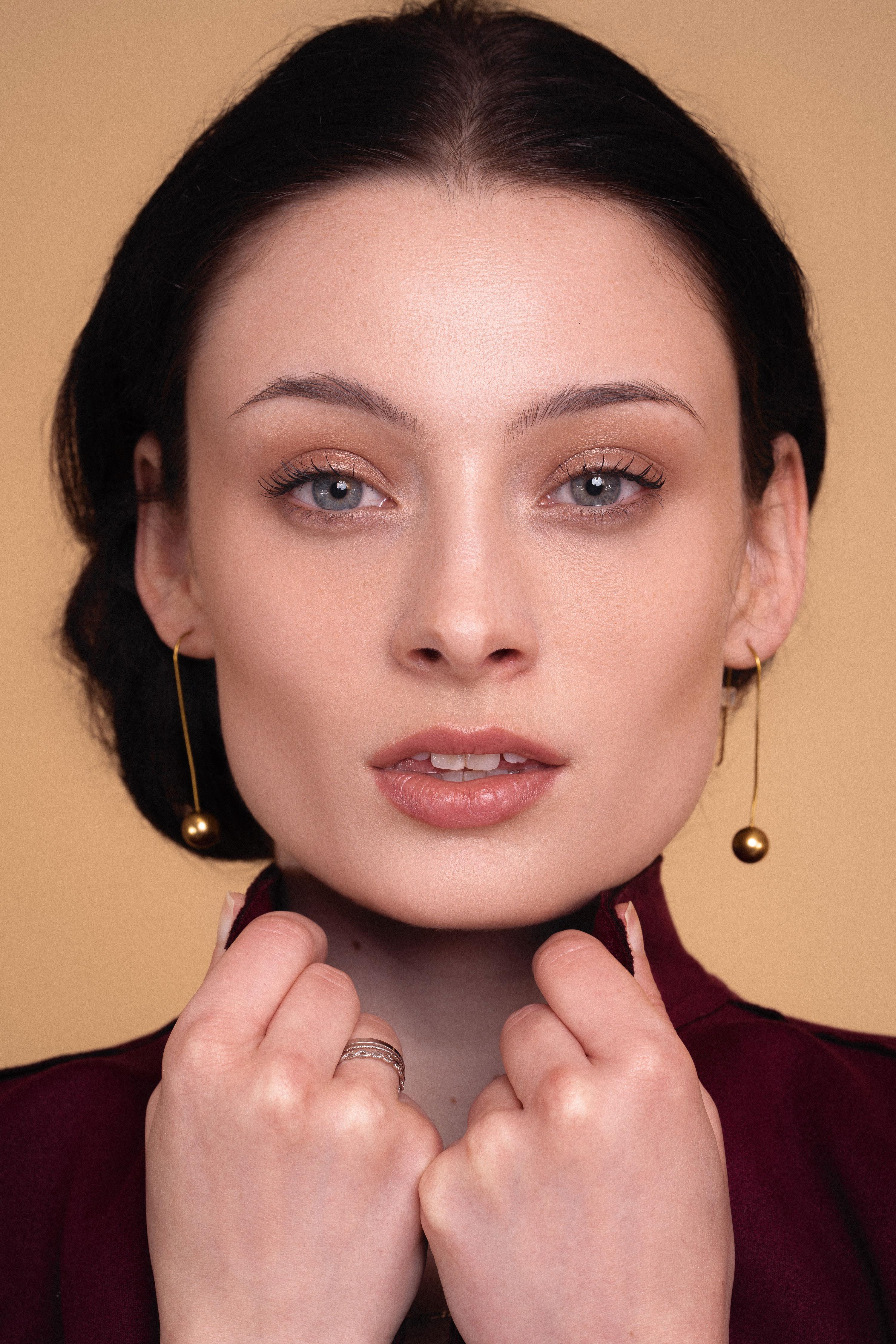 Shine-Female-Model-Lousia-HD-3.jpg#asset:52780