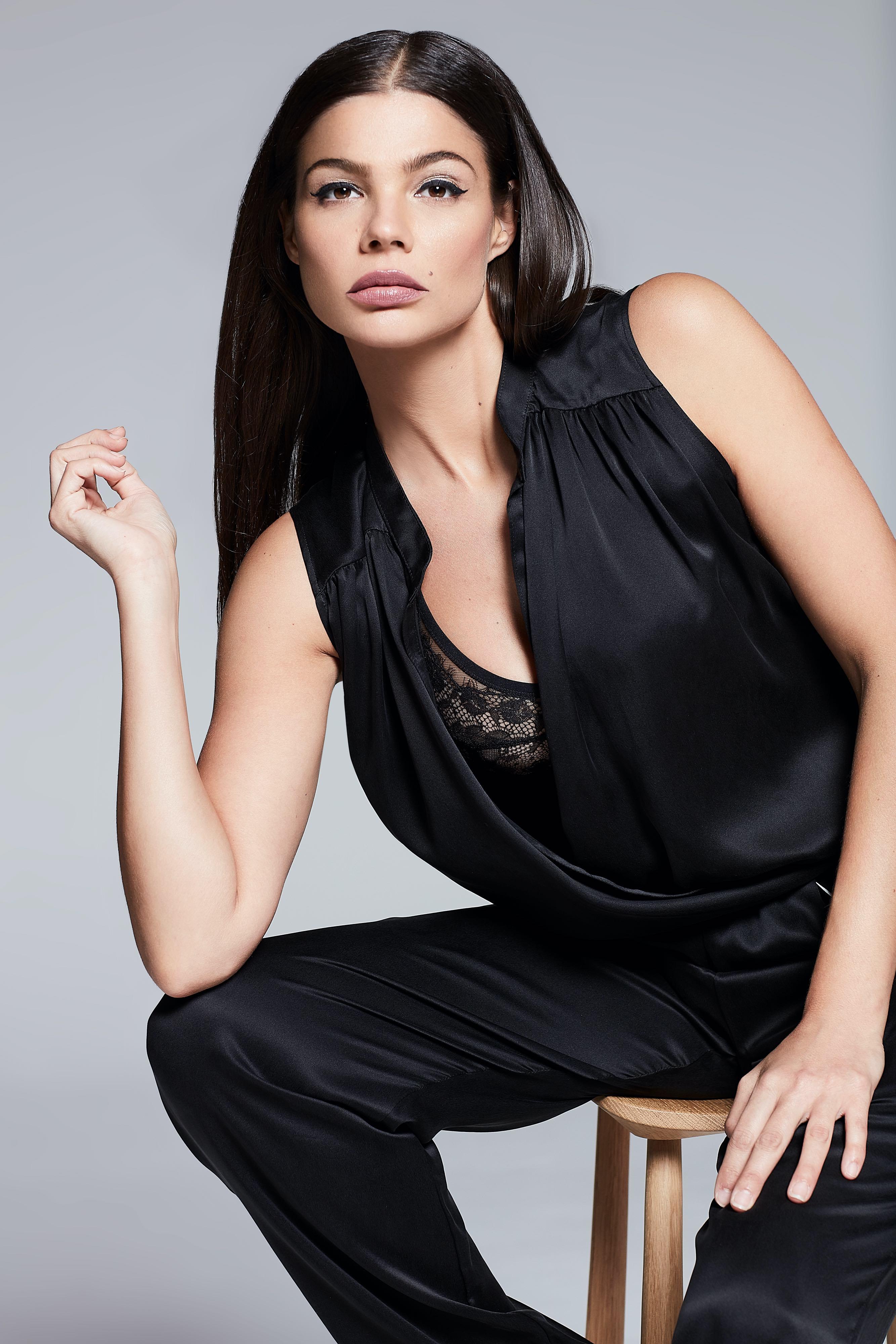 Web-Shine-Female-London-Model-Paula-High-Fashion-03.jpg#asset:51426