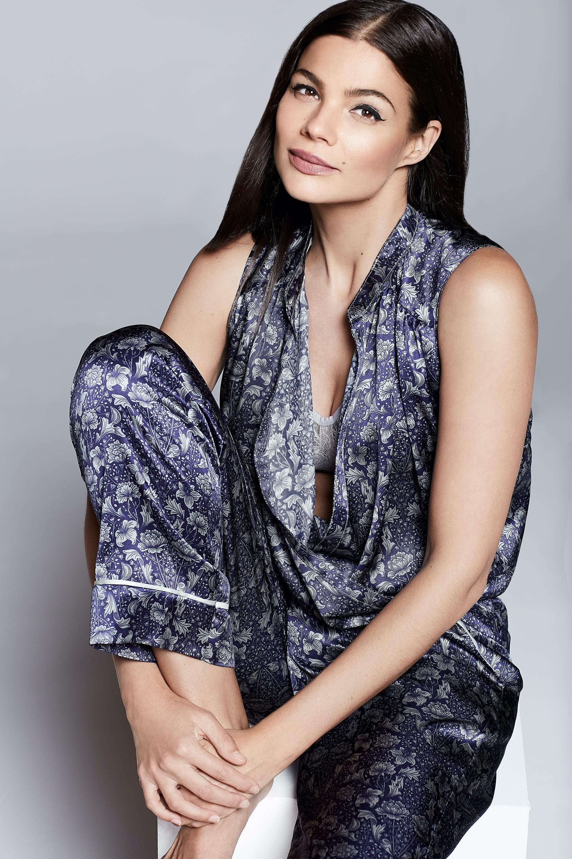 Web-Shine-Female-London-Model-Paula-High-Fashion-05.jpg#asset:51425