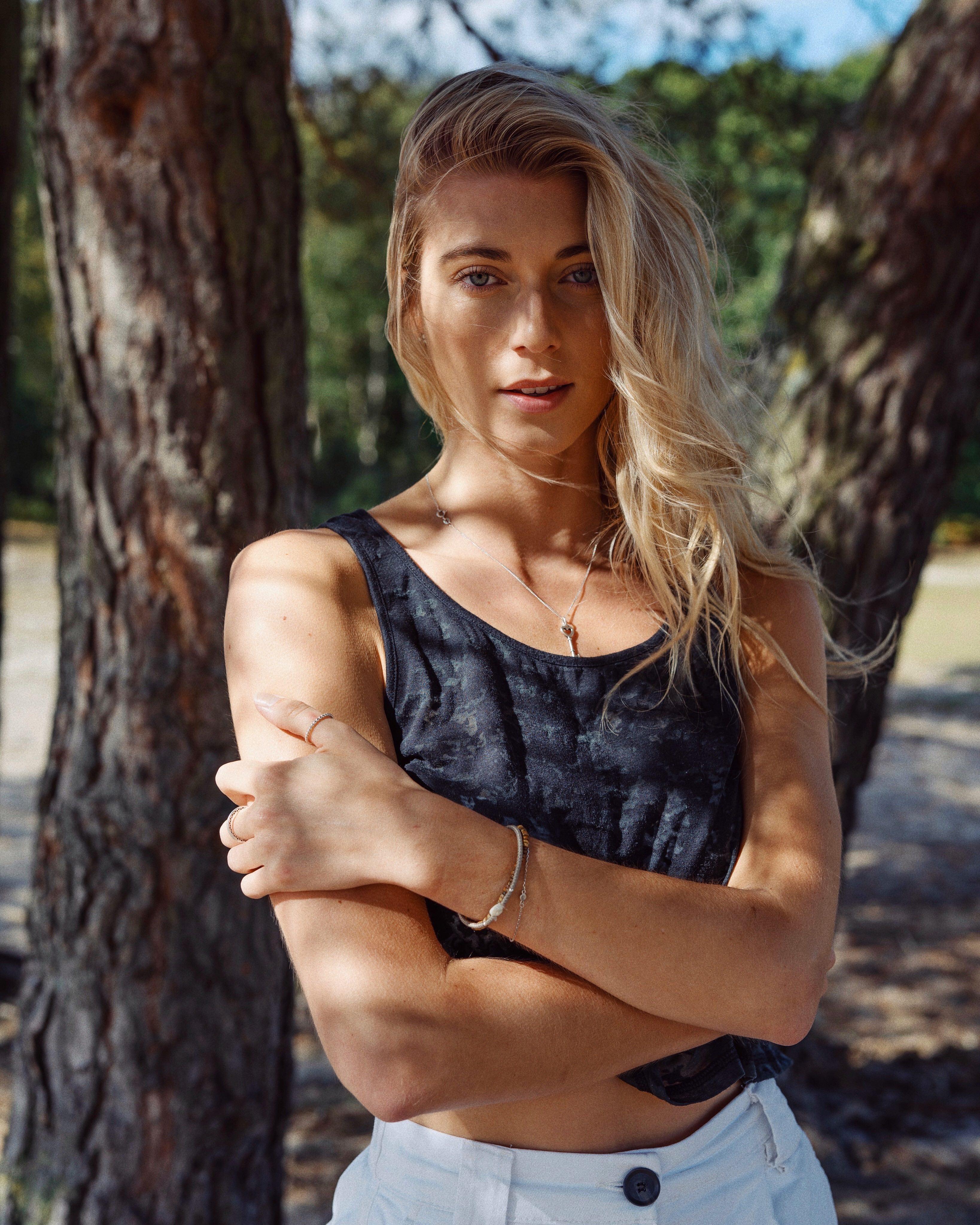 Web-Shine-Female-Model-London-Ella-Commerical-001.jpg#asset:51569