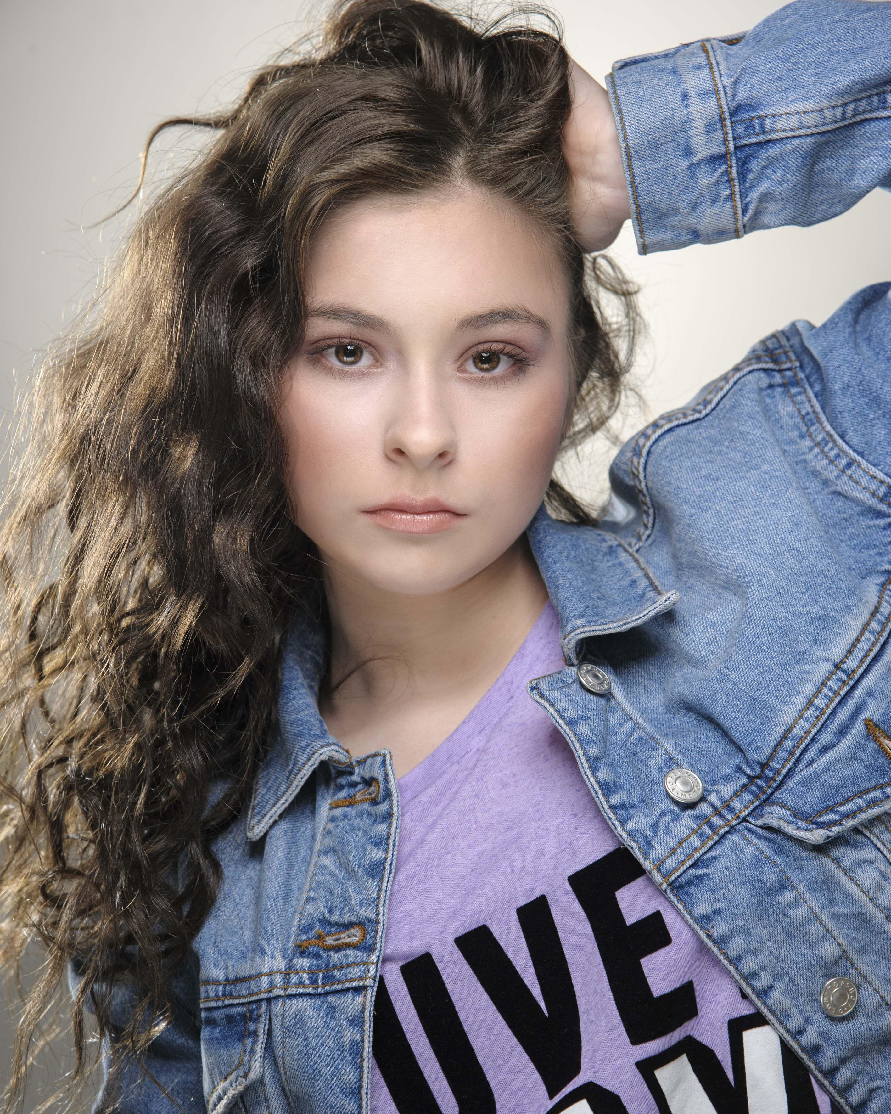 Web-Shine-Model-Female-Leeds-New-Face-Yorkshire-Anita-01.jpg#asset:45780